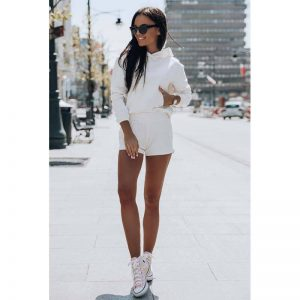 Fitness Set Sweatshirt mit Shorts in Creme